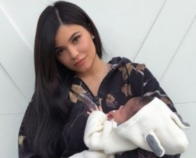 Baby Mama Kylie Jenner, Travis Scott Reveal New Baby's First Photo (See!)