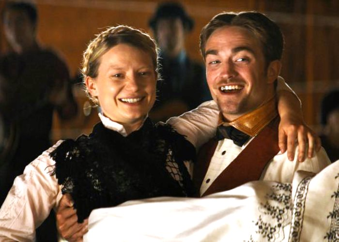 Robert Pattinson Movie 'Damsel' Reviews Are In… And Not Half Bad! (Video)