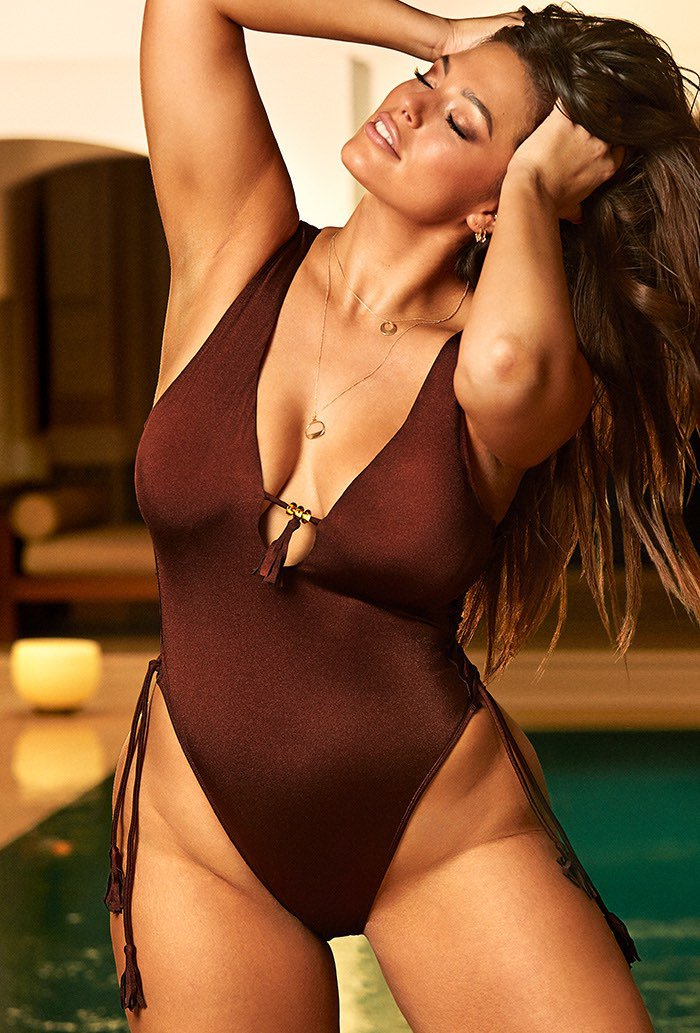 Ashley-Graham-swimsuits-for-all-11