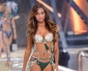 Jasmine Tookes Tells Diet Secret for Hot Bod; 6 Victoria's Secret Models Tell Theirs