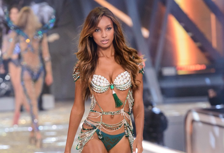 5d49e826f2 jasmine tookes workout and diet Jasmine Tookes Tells Diet Secret for Hot  Bod  6 Victoria s