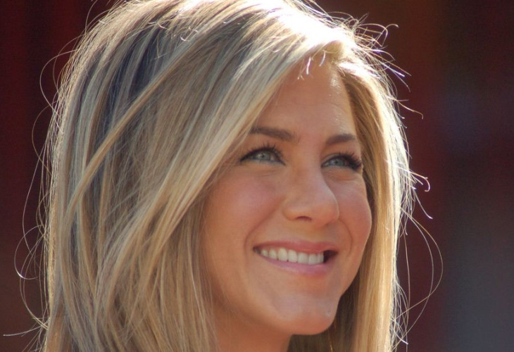 Jennifer Aniston Throws Her Weight (Loss) Behind New Diet, Exercise Routine